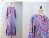 SPRING SALE / vintage 70s block print maxi dress - purple maxi dress / 1970s hippie dress - floral block print dress / purple maxi dress - b