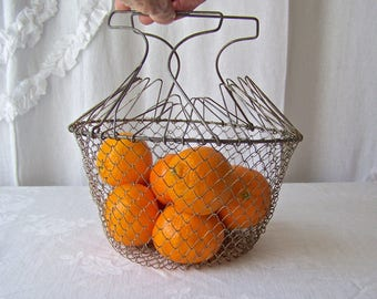 Vintage Vegetable Basket Retro Wire Mesh Collapsible Colander Egg Fruit Basket 1960s