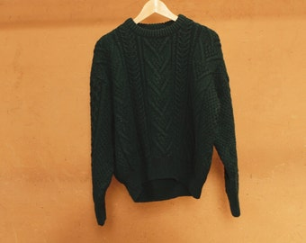 WOOL winter HUNTER green thick SWEATER cable knit cream warm & cozy