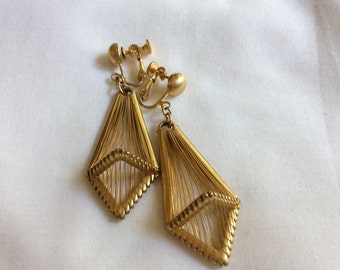 HOBE Goldtone Dangling Earrings Clip