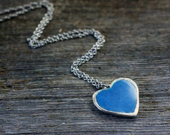 Classic Heart Pendant - glows in the dark