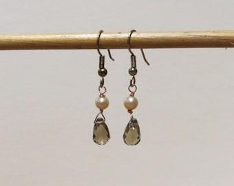 Smokey brown quartz and peach freshwater pearl gemstone earrings.   #EAR-008