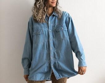 90s Denim Shirt / Light Blue Denim Button Up Shirt / Long Sleeve Blue Jean Shirt / Collared Shirt Oversized Pocket Oxford Light Wash Blouse
