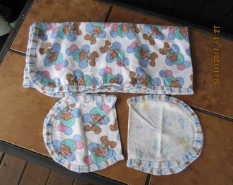 Precious Moments Teddy Bear Balloons Double Side Burp Cloth Flannel Receiving Swaddle Baby Blanket Crochet Edge