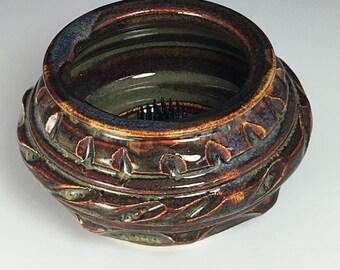 Brown ikebana flower vase japanese style flower arranger with pin frog item 2003