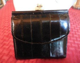 Vintage NOS Black Genuine Eel Skin Ladies/Women's Wallet Small Kiss Lock Pictures/Credit Cards Made in China Never Used 1970s to 1980s