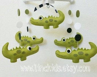 Baby Crib Mobile- alligator Mobile- Navy green Mobile-Crocodrille mobilecustom Made Mobile