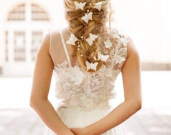 Bridal flower butterfly halo. Weddings wreath. Bride head accessory. Wedding Flower halo. Wedding flower hair clip. Wedding Flower crown.