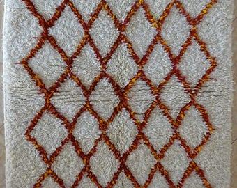 "135X90 cm 4'5"" x 2'11""  FREE SHIPPING WORLDWIDE AZ31902 Ourika ,Beni Ourain vintage berber rug Morocco,wool carpet ,boucherouite"