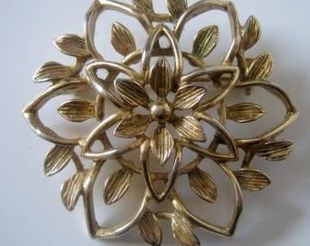 Vintage Sarah Cov. Canada Gold Tone Flower Pin Brooch