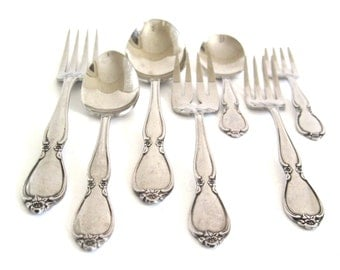"Oneida ""Chatelaine"" Community Stainless Flatware Pieces Dinner Fork, Salad Fork, Teaspoon, Oval Soup Spoon, Youth Baby Fork Spoon Grapefruit"