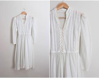 70's White Sheer Wedding Dress / Bridal Gown / Bohemian Dress /Sheer White floral Dress /  Size XS/S