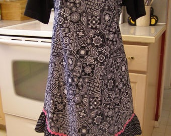 Plus Size Black and White apron