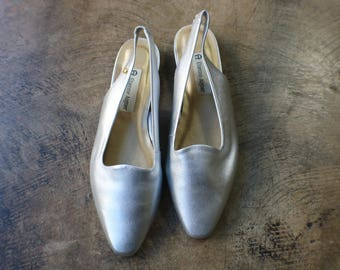 8 M / Silver Flats / Leather Metallic Sling Backs Shoes / Vintage Women's 90' Shoes