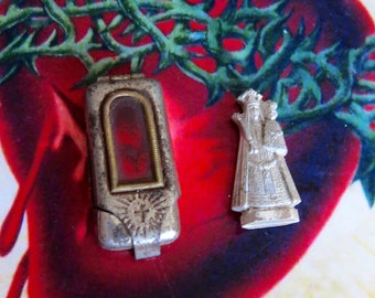 Early 1900's VIRGIN MARY Child Vintage Pocket Shrine - a peek into history