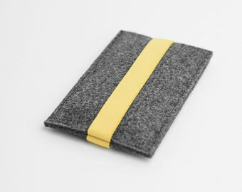 iPhone felt case, iPhone 7 felt sleeve, gray with yellow strap