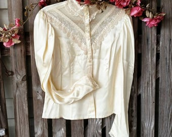 """1980's Lace + Satin Blouse by Jessica McClintock - Retro """"Gunnies"""" Creamy Lace Long Sleeved Blouse With Puffy Sleeves, Prairie Chic Shirt"""