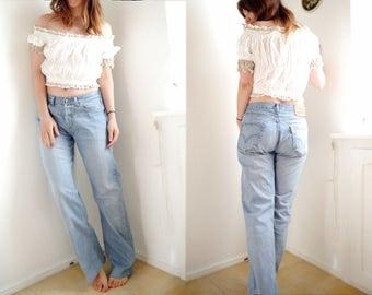 Vintage Jeans Levis 501, entspannt hellblau beunruhigt Denim leicht waschen, Original Hose gerade mit abgeschnitten beunruhigt Bein 32