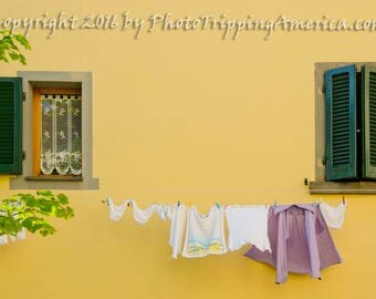 "Mothers Day Gift, Tuscany Art, Tuscany Landscape, Cortona, Italy, Photograph, Gift For Her, Photography, Laundry, Wash 'n Dry - 12"" x 8"""