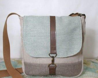 Utah- Crossbody messenger bag // Crossover purse // Adjustable strap // Vegan purse // Travel bag / /Mint herringbone// Tan//  Ready to ship