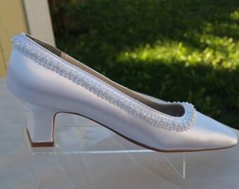 wedding pump shoes bridal minimalist shoes white low heel pump 1 1