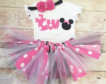 Minnie Mouse Tutu / Pink and Black Minnie Outfit / Girl TWO Shirt / Baby Girl 2nd Birthday Shirt/2nd Birthday Outfit/Girl Minnie TWO Shirt