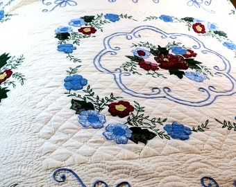 Vintage Hand done Appliqued Comforter QuiltWhite w Blue trim & Flowers / Full 66 x 80""