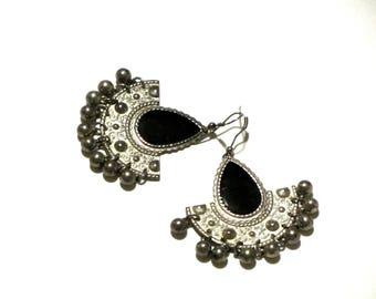 Silver Bohemian Stamped Metal Fan Dangle Bead Earrings Black Enamel Tear Drops Gypsy Girl Wires