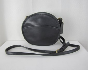 Vintage COACH Mini Chester Canteen Shoulder Bag - Black Leather - 9982 - Made in USA - Classic - Fashion Designer Cross Body Bag - Purse