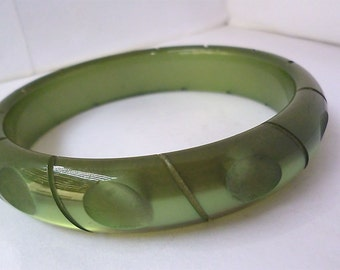 Vintage  Green Lucite Carved Bracelet  Lucite Moonglow Deeply Carved Dark Forest Green Bangle Chunky 1960's