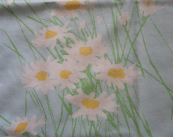 Vintage Pillowcase in Aqua Blue with Daisies Free Shipping Percale Linens Bedding Pillow Case Bed Standard Size Pillows Sleep Flowers Daisy