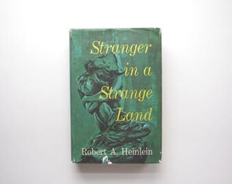 Stranger In A Strange Land - Robert Heinlein - 1961 Book Club Edition