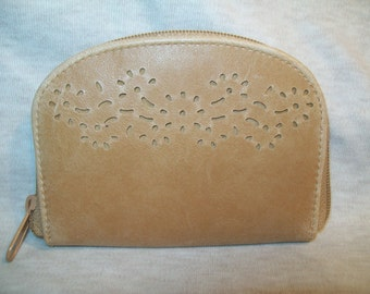 Vintage Change ID Wallet, Purse, Zippered, Three Sections, 1980's, Light Tan Color, Cut Outs, rosesandbutterflies