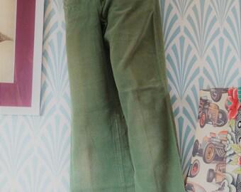 "4. Slightly flared pants greyish green (W34-L88cm / W13.4-L34.6"")"