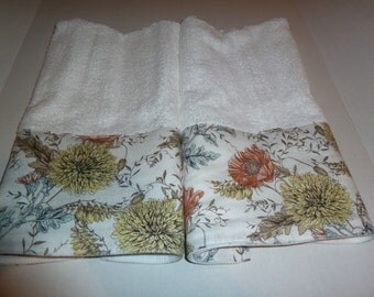 Floral Hand Towels, Old Fashioned Garden in Pastels on White, Decorative Hand Towels (Set of 2)  for Kitchen, Bath or Powder Room