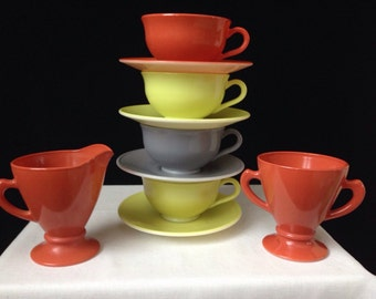 Hazel Atlas - Platonite - Ovide - Cups and Saucers - Cream & Sugar- Chartreuse Canyon Red, Cloud Grey - 10 Pieces