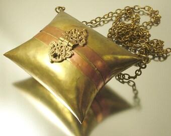 Antique / vintage Victorian / Edwardian brass and copper shoulder purse