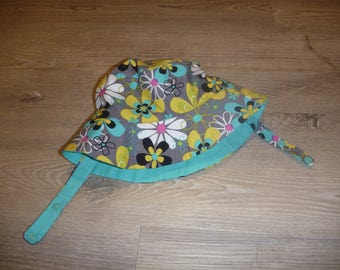 Size 12 months (ages 6-12 months approximately) Reversible Bucket Hat with Chin Strap