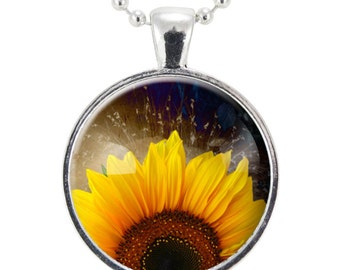 Sunflower Necklace, Botanical Jewelry, Flower Pendant (1080S25MMBC)