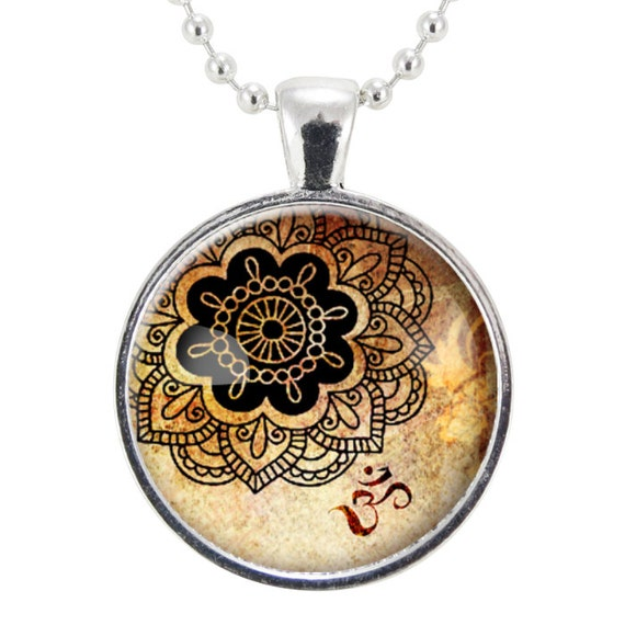 Om Necklace, Henna Design Yoga Jewelry, Om Charm, Silver Plate (0449S25MMBC)