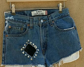 LACE LEVIS JEAN Jean Denim Distressed Shorts Size 30