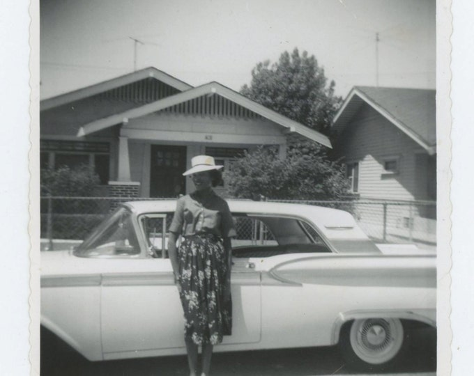 Vintage Snapshot Photo: Woman with Ford Thunderbird, c1950s (610512)