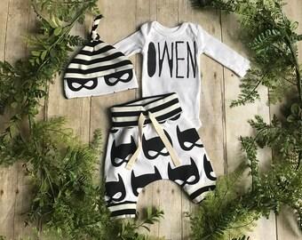 Custom Name Newborn Boy Take Home Outfit / Custom Newborn Boy Coming Home Outfit / Newborn Batmask Outfit / Superhero Clothing Set // Preemi