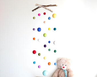 Long Driftwood Mobile with Felt Balls -- Colorful Felt Poms / 2 cm to 5.4 cm -- Gender Neutral Nursery Decoration -- Ready to ship