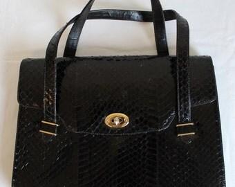 Vintage Black SNAKESKIN LEATHER HANDBAG.. Gorgeous