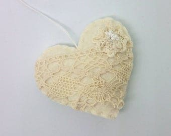 Romantic felt heart ornament - lace in white decoration - Valentine's day decor Birthday Christmas Home wedding supplies