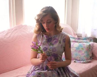 Lovely 60s Purple Flower Dress