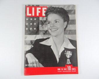 Vintage 1942 Life Magazine Wartime Issue, June 29, USO Victory Belle - Aleutians - Burma - Eagle Squadron
