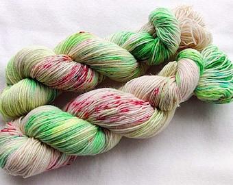 Handpainted Sock Yarn, 75 Wool  superwash, 25 Nylon 100g 3.5 oz.  Nr. 319