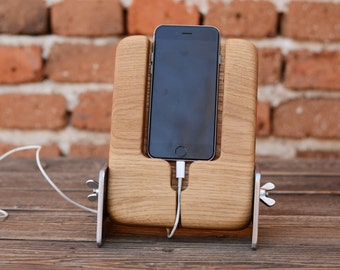 iPhone 6 docking station iPhone 6s dock Wooden iPhone holder Handmade iPhone 6 stand Industrial Style Massive Oak Gift for Birthday Wooden